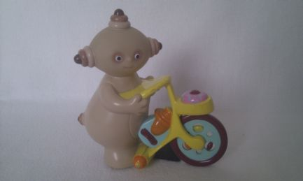 Adorable 'Makka Pakka' on his Bicycle Push Along In the Night Garden Toy